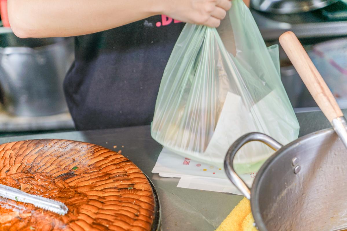 宜蘭頭城必吃|超脆爆料春捲『品誼古早味小吃』菜單、頭城美食、頭城老店、頭城排隊小吃 @梅格(Angelababy)享樂日記
