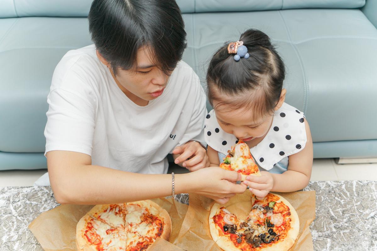 飯店美食|3個七吋pizza只要888元!!小朋友可以玩的五星飯店玩具、親子手作diy好吃零難度披薩『圓山大飯店牛排館』 @梅格(Angelababy)享樂日記
