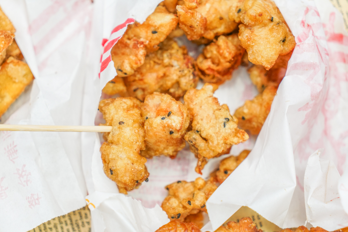 新莊美食 排隊無盡頭的無名炸雞、台北雞排30塊雞翅15塊哪裡找『福壽街 無名鹹酥雞』 @梅格(Angelababy)享樂日記