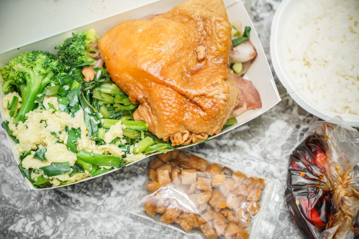 新莊美食 在地人的平價美味食堂、超過30款熱炒衛生又好吃『阿松自助餐』外帶便當、新莊便當 @梅格(Angelababy)享樂日記