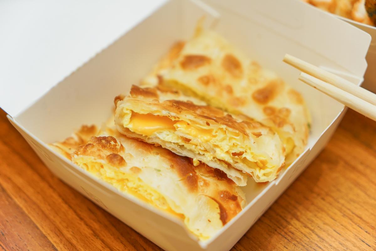 蘆洲早餐 蛋餅控必吃千層酥皮蛋餅VS.頂級究好豬肉排蛋吐司『八禱肉蛋吐司』、蘆洲國小早餐、八禱肉蛋吐司菜單 @梅格(Angelababy)享樂日記