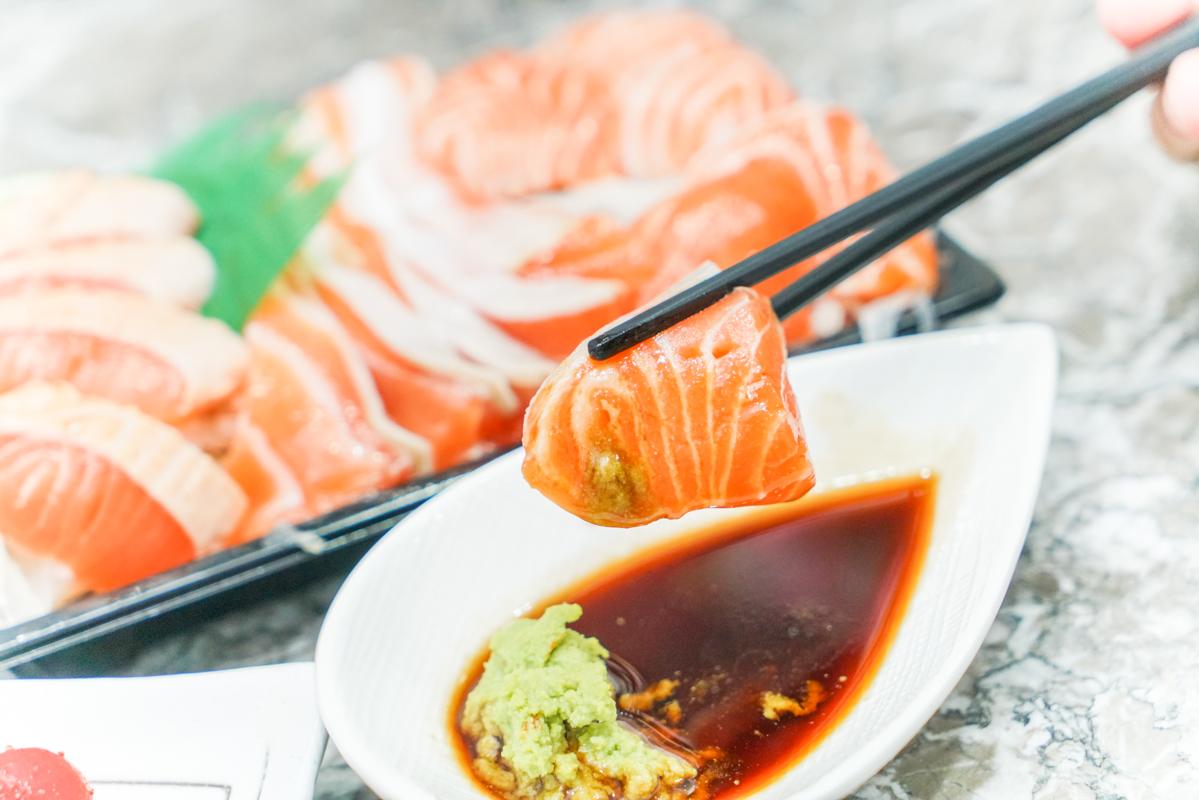 板橋生魚片推薦『津之芳生魚片專賣店』外帶生魚片、鮭魚控必吃、板橋日本料理 @梅格(Angelababy)享樂日記