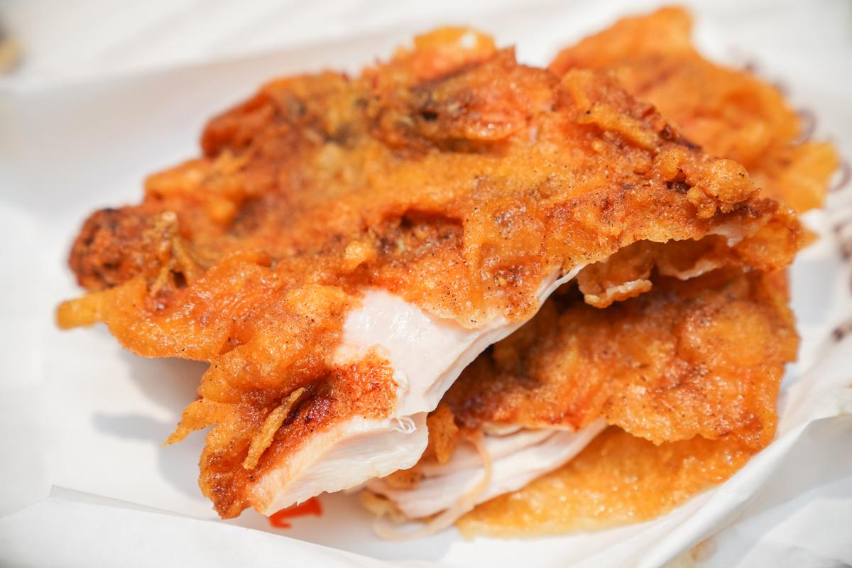 台中鹽酥雞 開到深夜三點的台中宵夜推薦、使用脫油機+每天堅持換油的好吃脆皮雞排『老宋鹽酥雞』 @梅格(Angelababy)享樂日記