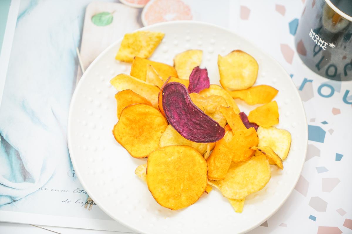Kenji健司『纖三薯』開箱 好市多搶購零食推薦、口感超脆的天然地瓜餅乾、便利商店也買得到口味限定『可頌千層派 太妃糖脆片』 @梅格(Angelababy)享樂日記