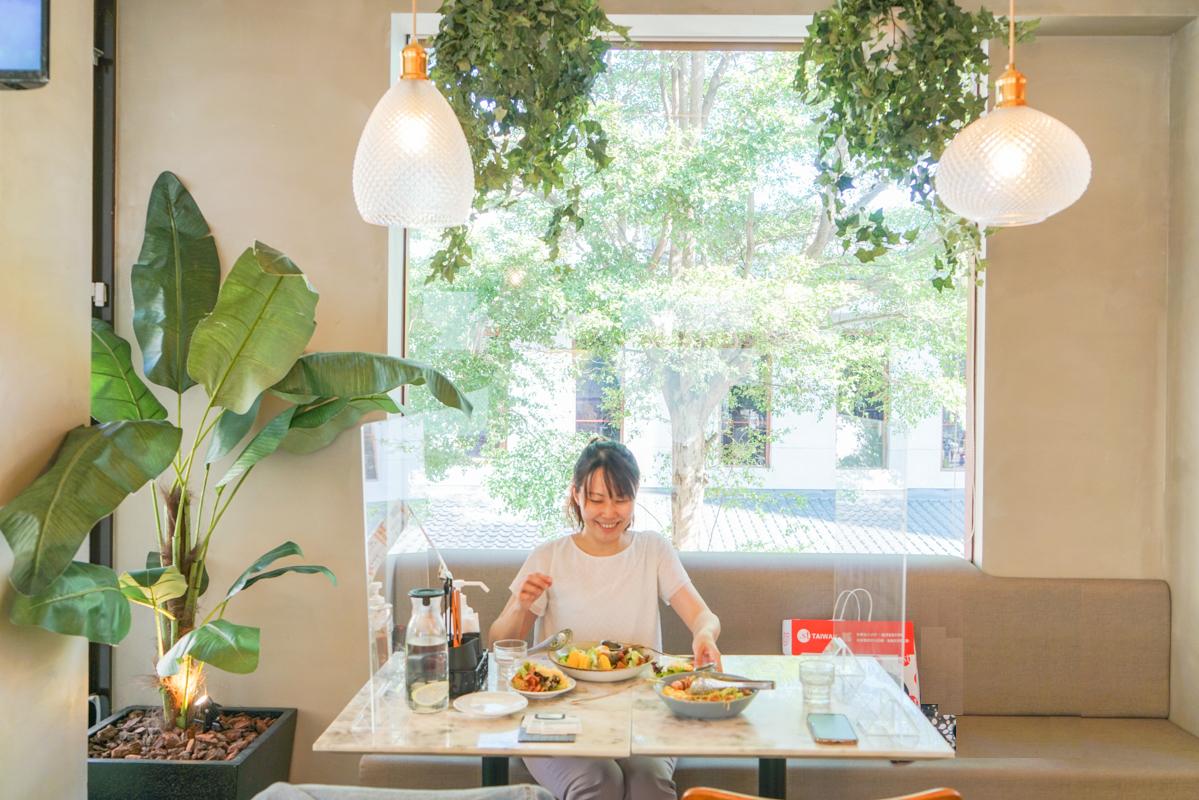 公館早午餐|有陽光味道的美式早午餐,大盤沙拉全天候供應『貳樓餐廳』 @梅格(Angelababy)享樂日記