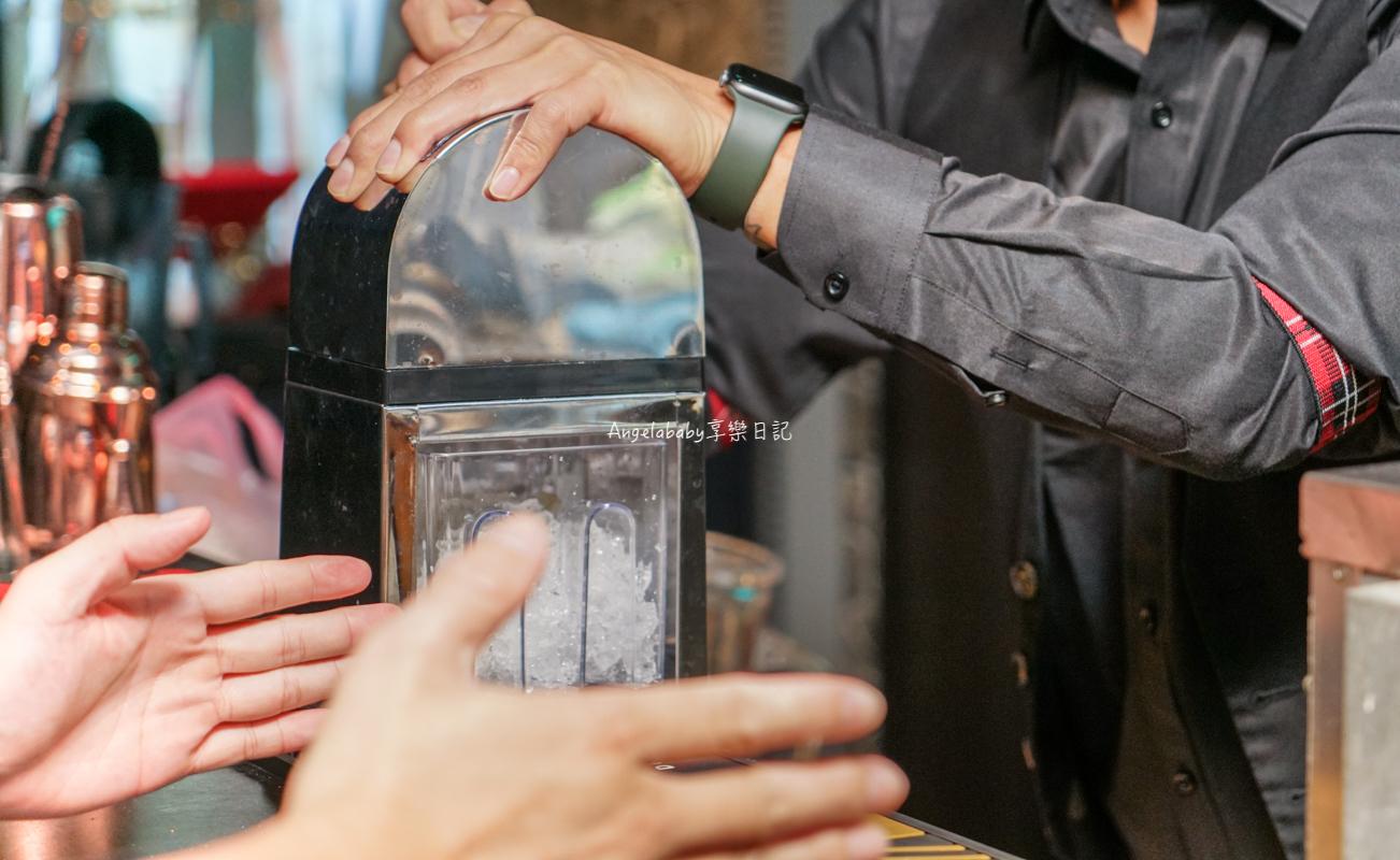 忠孝復興新開幕酒吧|視覺系調酒配上音樂駐唱、東區夜生活『MOVE Restaurant & Bar』台北餐酒館、MOVE Restaurant & Bar菜單 @梅格(Angelababy)享樂日記