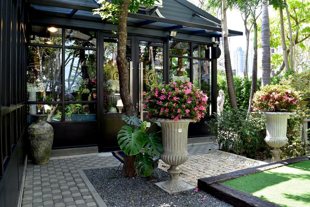 高雄 置身異國花園裡的玻璃屋#Q Garden 季節義法料理 / 莊園手工咖啡 / 進口傢俱傢飾#最美的歐洲家具咖啡 @梅格(Angelababy)享樂日記