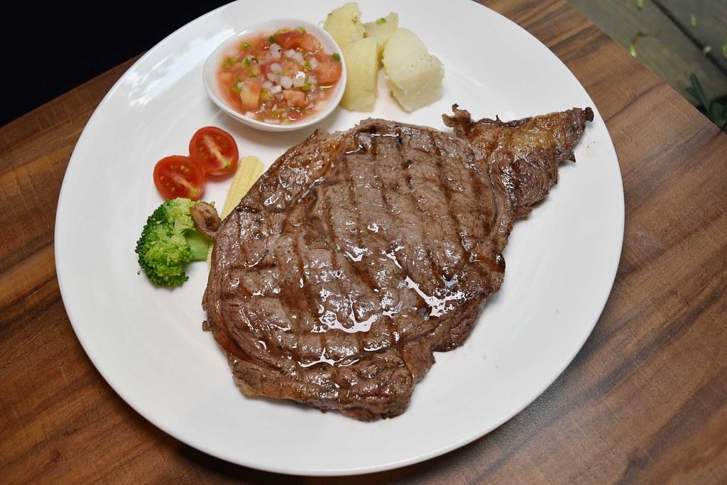六張犁美食『亨利客 原味炭烤牛排』台北平價牛排、玻璃屋牛排、好吃炭烤牛排 @梅格(Angelababy)享樂日記