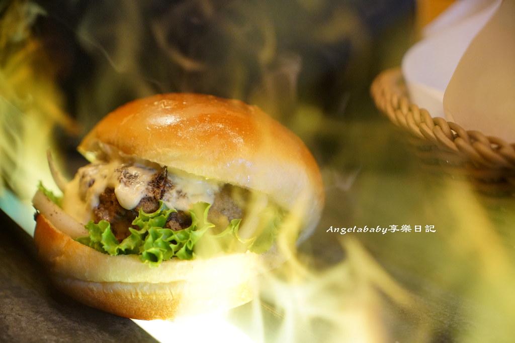 信義安和必吃 Wagyu Burger和牛漢堡 每日限量150份 排隊、外帶美食 ig打卡熱點 @梅格(Angelababy)享樂日記