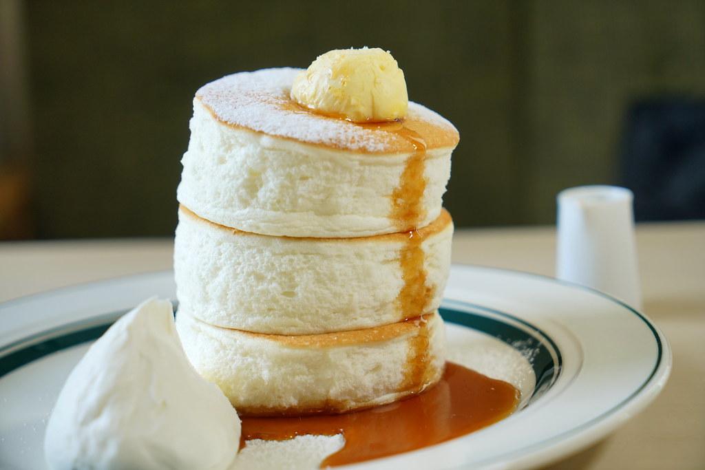 日本鳥取必吃 雲朵般軟綿厚鬆餅 gram cafe & pancakes 季節限定櫻花草莓鬆餅 @梅格(Angelababy)享樂日記