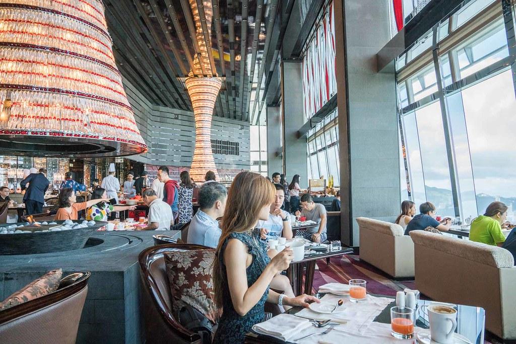香港美食|地表最高的Ritz-Carlton早午餐 香港維多利亞港景觀 @梅格(Angelababy)享樂日記